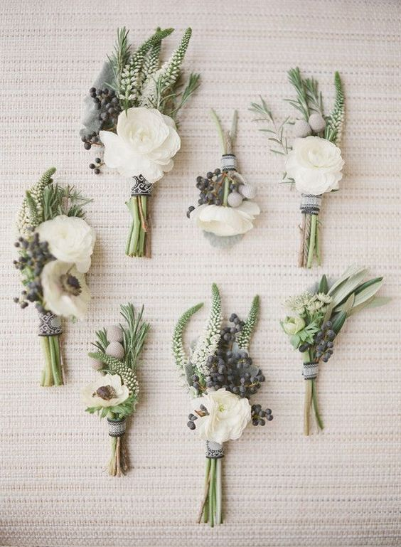 40 Romantic and Timeless Green Wedding Color Ideas | http://www.deerpearlflowers.com/romantic-and-timeless-green-wedding-color-ideas/:
