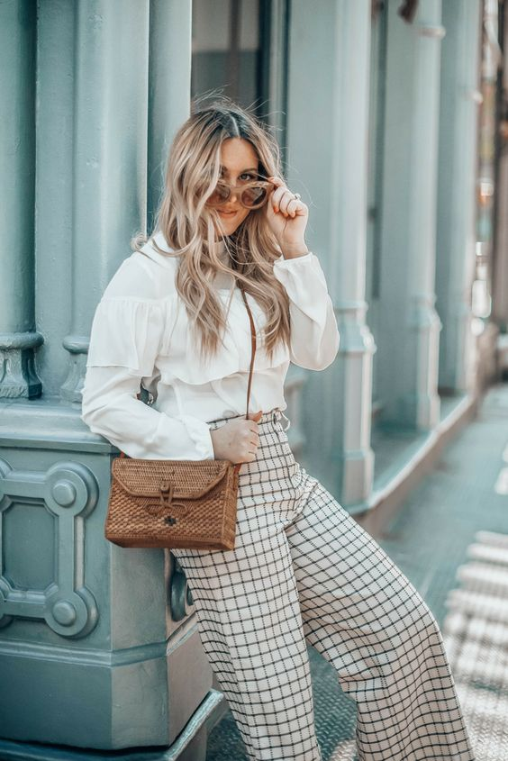 New York Style Blogger Danielle of Pineapple & Prosecco talks this season's BEST woven bags | #springstyle #springfashion #wovenbags