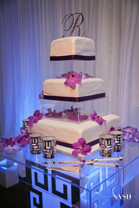 #WeddingCake http://www.acqualinaresort.com/meetings-weddings/acqualina-weddings/