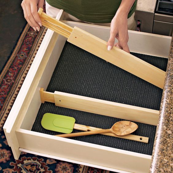 """Amazon.com: Axis Expandable Kitchen Drawer Divider, Set of 2: Home & Kitchen - up to 21"""" deep"""