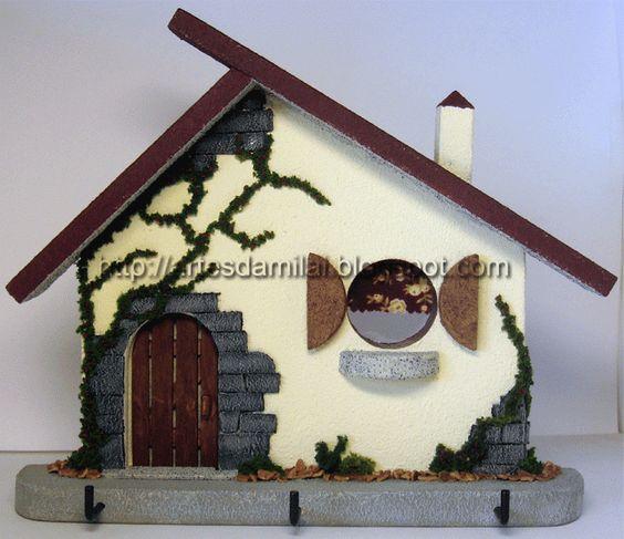 Casinha rústica decorada com diversos materiais