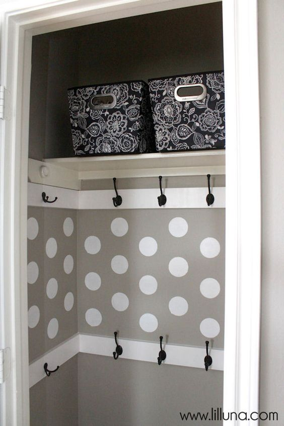 Organized and very functional Closet Makeover - so easy to do and doesn't cost…