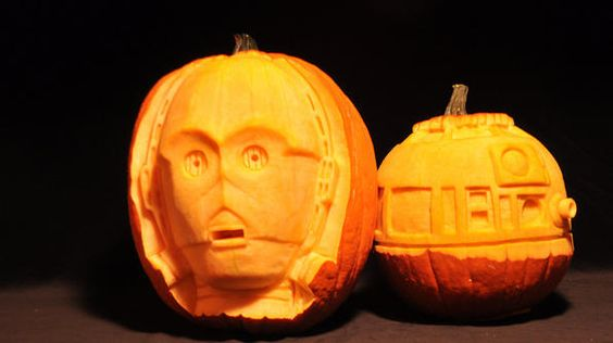 """I always try to find a little time during pumpkin season to carve some pop culture subject matter that appeals to me."" -Scott Cummins Want to see more of Scott's work? Visit http://www.pumpkingutter.com"