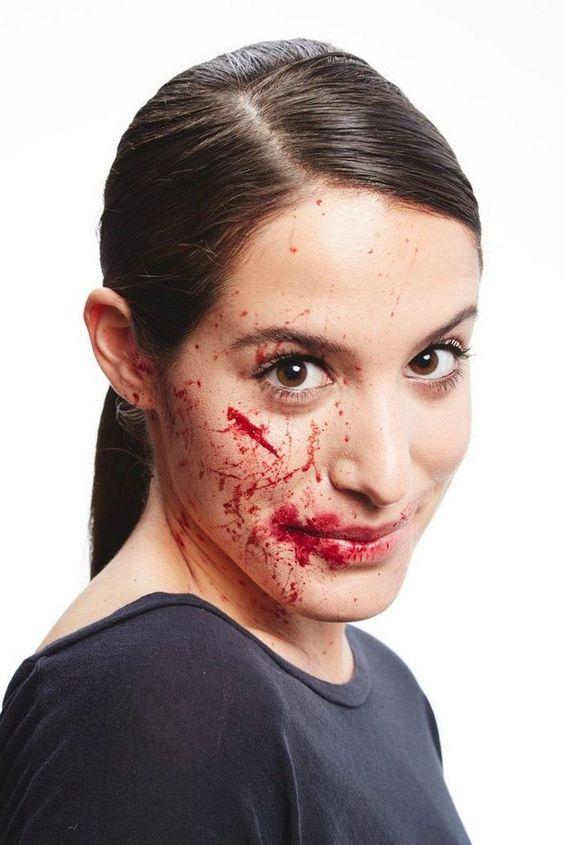 maquillage Halloween femme avec faux sang fait maison