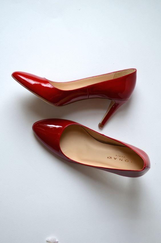 JONAK SHOES | Red heels as seen on @BBAfashionblog - http://www.jonak.fr/escarpins-pointus-en-cuir-verni-rouge-jonak.html