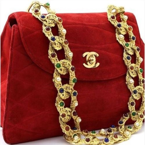 Absolute perfection AKA Chanel.  #chanel #handbag #red #luxury #fashion #chanel #fashionblogger #Perfashionista
