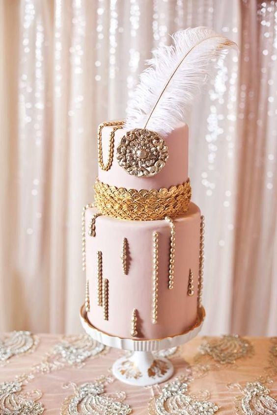 Great Gatsby-inspired wedding cake #glamwedding #dessert #cakes #weddingcake #Gatsbywedding