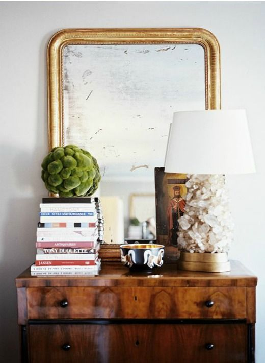 Love the lamp, bowl and mirror!