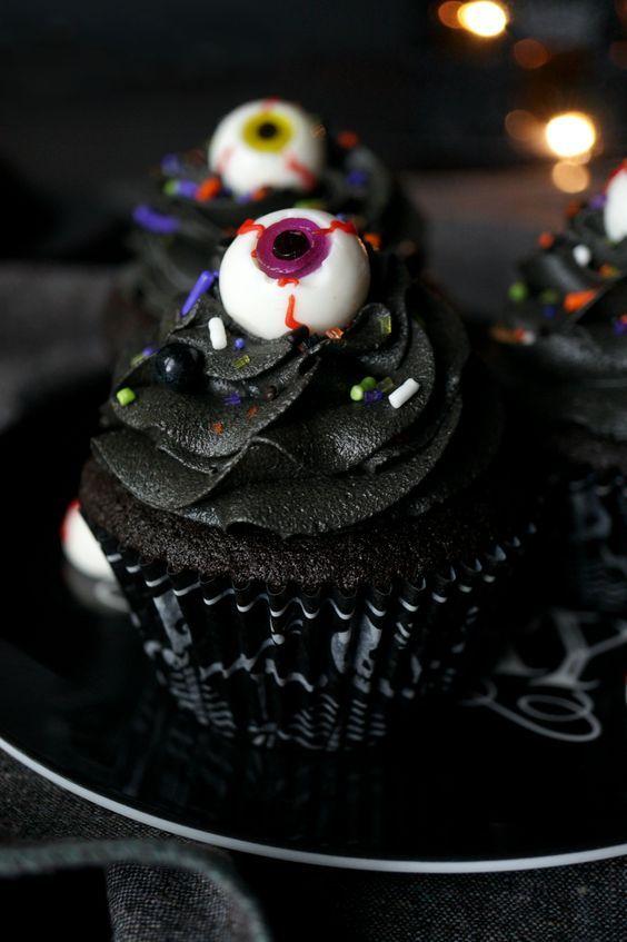 20 Spooky Halloween Cupcake Recipes