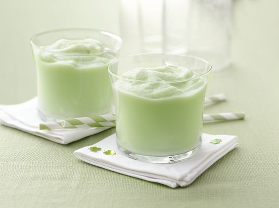 St. Patty's Day Shakes - Not one but TWO awesome recipes. Traditional and Lactose Free green goodness!  http://my.yoplait.com/yZhFUW