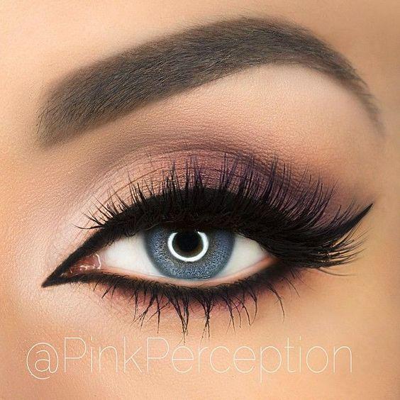 Soft Plum Smokey Eye Black Winged Liner: