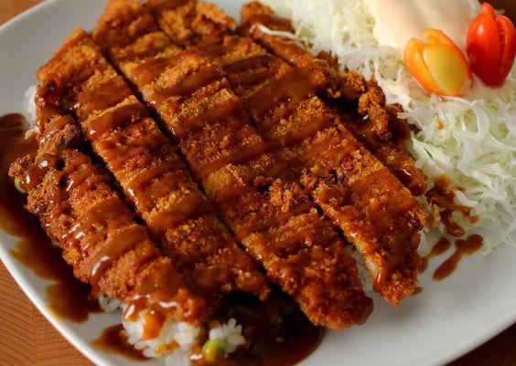 Pork cutlet (Donkkaseu or Tonkatsu (in Japanese) recipe - Maangchi.com
