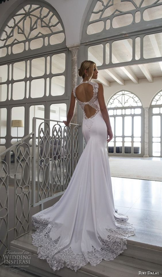 Top 100 Most Popular Wedding Dresses in 2015 Part 2 — Sheath, Fit & Flare, Trumpet, Mermaid & Column Bridal Gown Silhouettes | Wedding Inspirasi