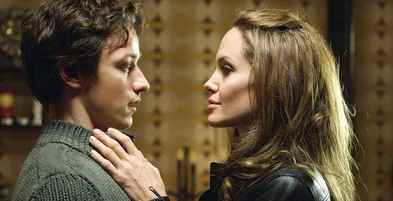 """""""Wanted"""" - Kino-Tipp - Ein Geheimbund bildet Waschlappen Wesley (James  McAvoy) zur Killermaschine aus. Das Actionspektakel mit Angelina Jolie erinnert an """"Matrix""""."""