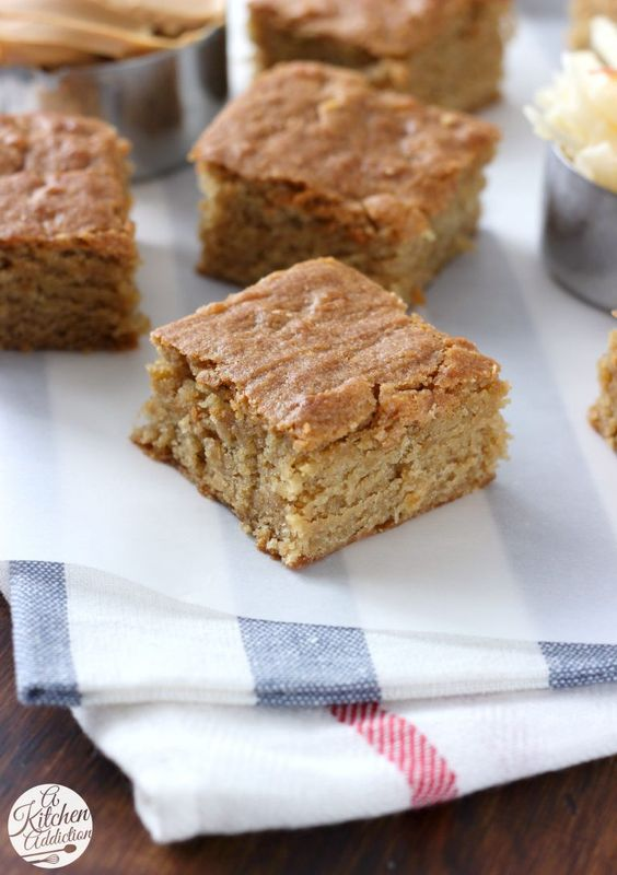 Chewy Peanut Butter Apple Blondies Recipe l www.a-kitchen-addiction.com