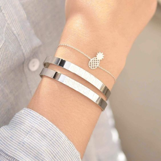 Cute Women S Handcuff Bangle Bracelet In Gold And Silver Women S Trendy Pinaple Bracelet Free Shipping Simple Beaut Accesorios De Joyeria Aretes Pulseras