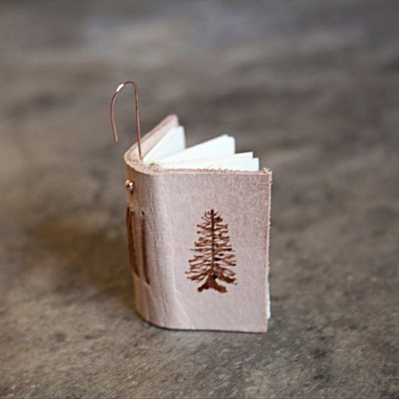 Looking for homemade bookish Christmas ornament ideas? Here are 19 DIY Christmas decor ideas!