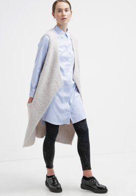 Mit diesem Hemd siehst du immer lässig gut gekleidet aus! Sparkz ALGI - Hemdbluse - light blue für 55,95 € (10.11.15) versandkostenfrei bei Zalando bestellen.