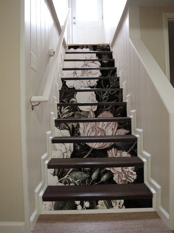 Wallpapered stair trends will be a key trend in 2020