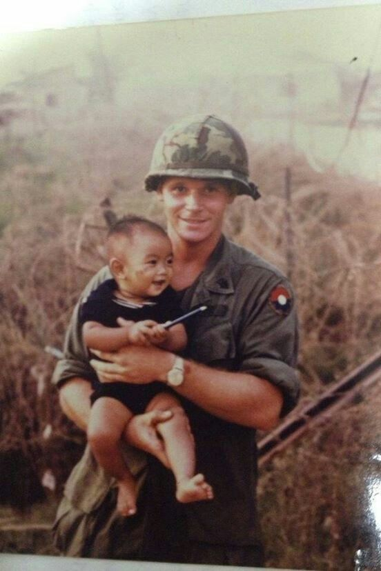 ✿ 9TH. INFANTRY DIVISION SOLDIER IN SOUTH VIETNAM ✿ WE ARRIVED IN COUNTRY IN LATE {1966} ✿ NOTICE HOW {NEW} THIS {GI's} UNIFORM IS ✿ AND HIS {FULL-COLOR} SHOULDER PATCH ✿