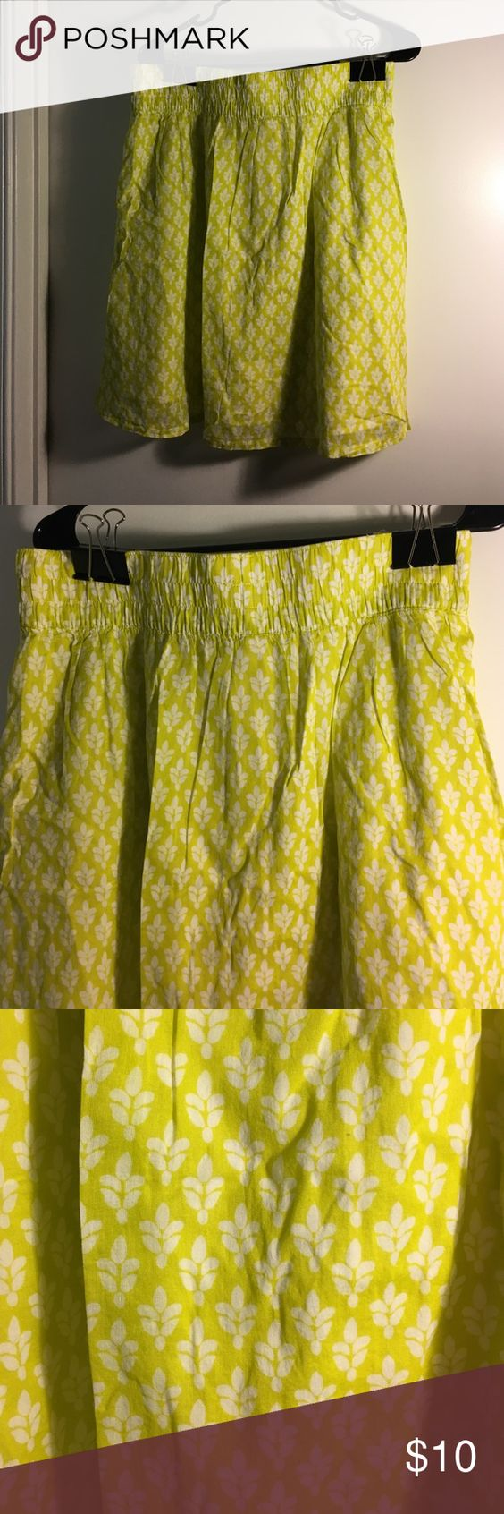 Elastic waist skirt lime green and white Elastic waist skirt Old Navy Skirts Midi