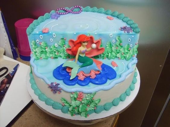 Mermaid cakes little mermaid cakes and cute mermaid on for Homemade cake decorations
