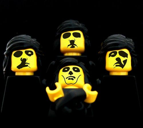 Epic Album Covers Recreated In LEGO - DesignTAXI.com: Queen Album Covers, Covers Recreated, Queen Ii, Lego Queen, Classic Album Covers, Cover Art, Queen Lego, Lego Album Covers