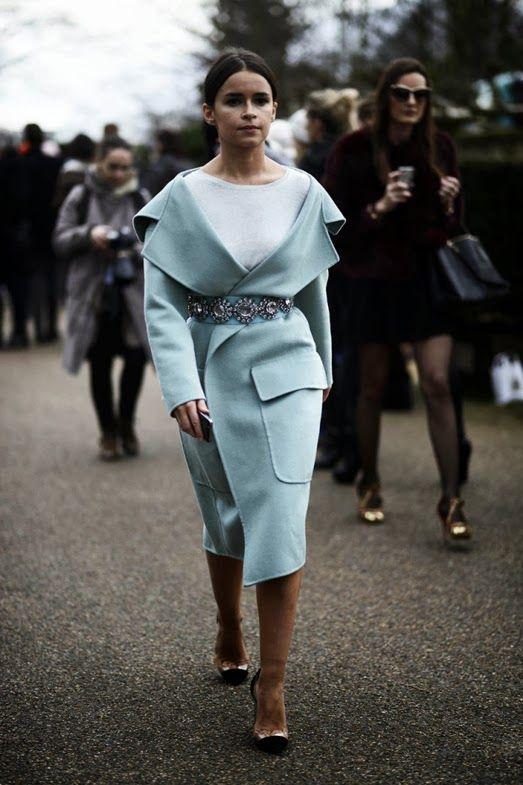 Fashion Color Trend & Shopping Selection: azzurro polvere - Vita su Marte