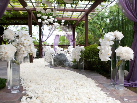 Artistic and Elegant Wedding Ceremony Ideas from Karen Tran Florals. To see more: http://www.modwedding.com/2014/01/16/artistic-elegant-wedding-ceremony-ideas-karen-tran-florals/ #wedding #weddings #ceremony