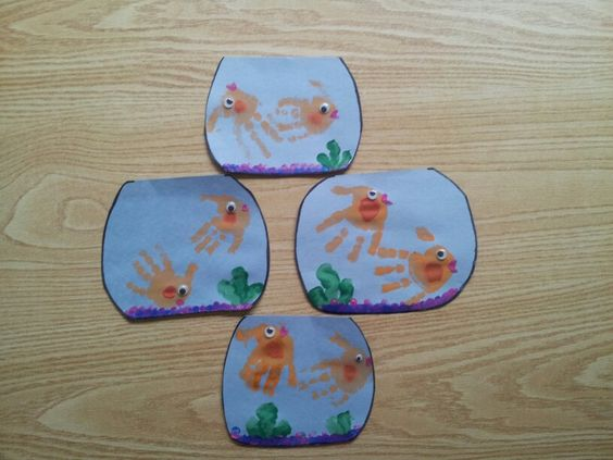 Goldfish hand craft! Toddlers loved it and was super easy! Pretty much self explanatory!