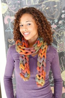 Knitted Scarf pattern @Shelly Woodard found the scarf!!! <3 it someday Ill make you and me one! :)