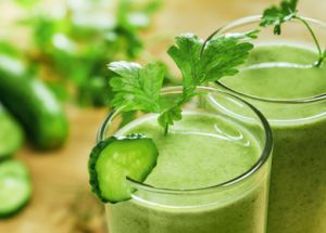 Top 5 Juices and Smoothies You Need to Make This Week - The Alternative Daily
