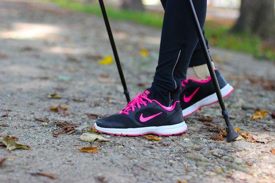 EN: My Kayla Itsines Bikini Body Workout Essentials are up on the Blog. Check it out here: www.violetfleur.com DE: Meine Workout Essentials für das Kayla Itsines Bikini Body Programm sind jetzt online am Blog. Natürlich dafür meine Turnschuhe von Nike dabei nicht fehlen. Schaut vorbei: www.violetfleur.com