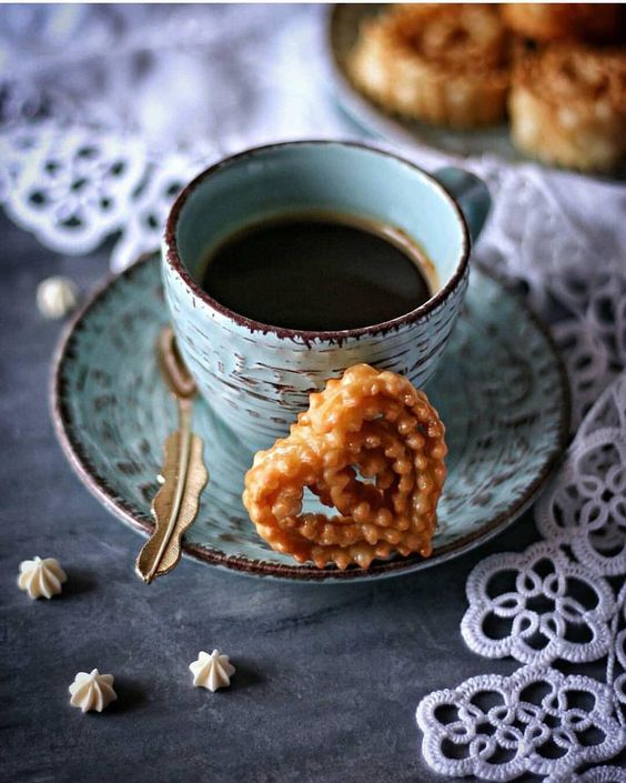 #café de vendredi, #love #gratitude et pâtisseries 😍☕️😘🥐🍯🍰🥧🍮🍩
