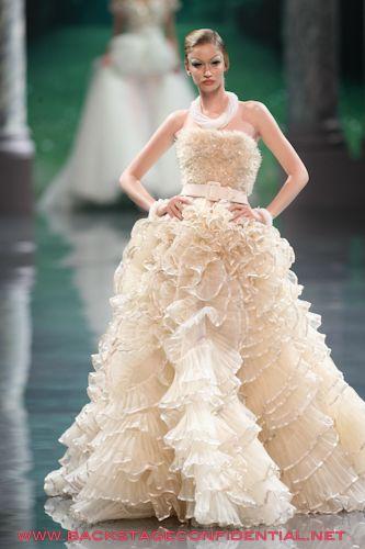 Dior Bridal  Bridal gowns from the catwalks – Abiti da sposa dalle ...