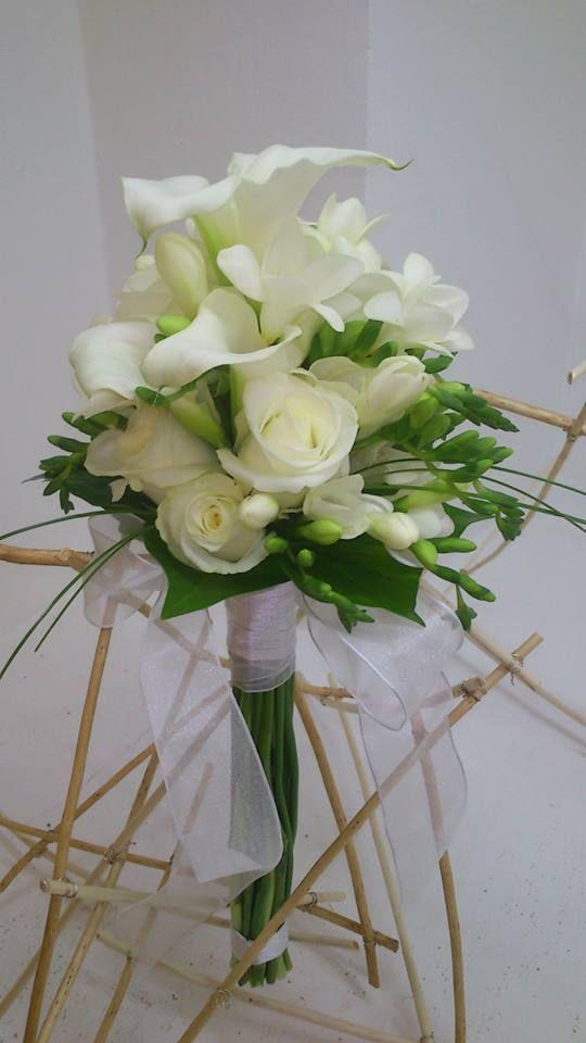 ramo de novia en blancos y tonos verdes en monceau fleurs madrid en la calle dulcinea 69