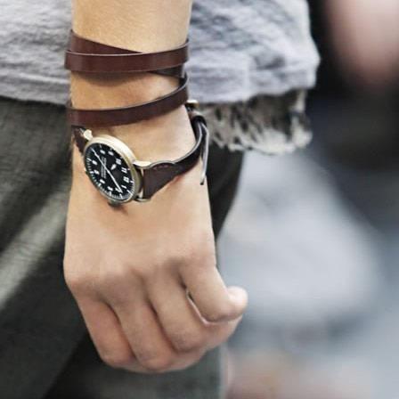 Tags: #Men #Boy #Man #Apparel #Look #Masculina #Wear #Guy #Fashion #Male #Homem #Garoto #Moda #Camiseta #T-Shirt #Boots #Bota #Coturno #Sapato #Shoes #Zapato #Military #Militar #Desert #Deserto #Pants #Calça #Blusa #Cardigã #Moleton #Blouse #Pulseira #Bracelet #Cardigan #Sweat #Clock #Relógio #Glasses #Oculos #Roupa #Style #Estilo #Accessories #Acessorios