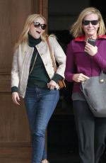 Reese Witherspoon and Chelsea Handler left a trendy steakhouse in Brentwood http://celebs-life.com/reese-witherspoon-chelsea-handler-left-trendy-steakhouse-brentwood/  #chelseahandler #reesewitherspoon