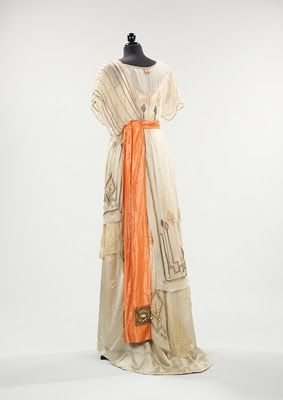 Edwardian dress back