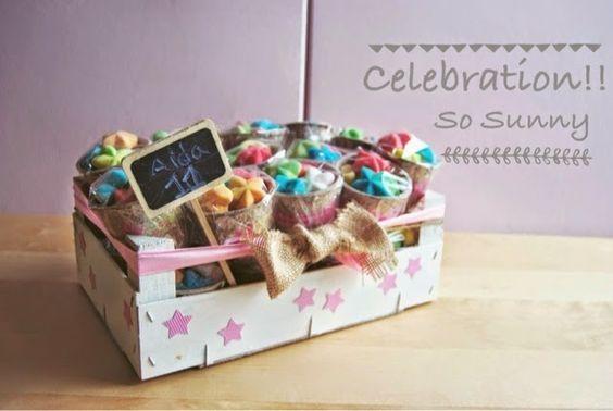 DIY Caja de frutas con macetas de chuches como detalles para un  cumpleaños. Party favor with jellies in a fruit box. So Sweet 3, o lo que nos gustan las chuches...