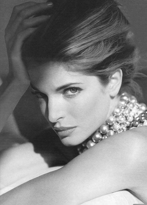 Pearls, French twist, classic makeup on Stephanie Seymour