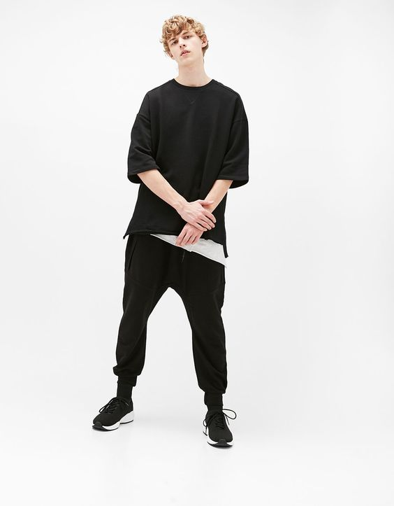 3/4 sleeve sweater with asymmetric frayed hem - Sweatshirts - Bershka Singapore