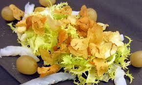 ¿ Has hecho alguna vez patatas fritas de castaña?. Pues aquí os dejamos la receta de los chips de castaña. ¿ Os gusta ?