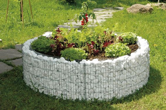 Round retaining wall gabion planter