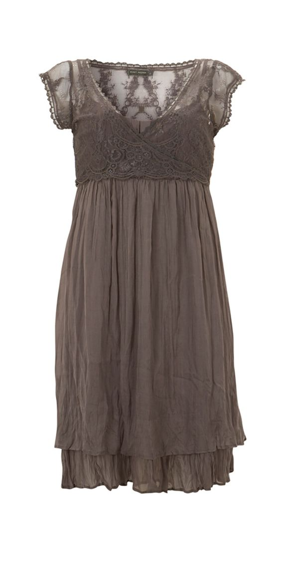 pretty and romantic dress