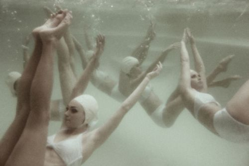 .: Swimming Underwater, Synchronized Swimmers, Synchronized Swimming, Swimming Style, Underwater Beauties, Swimming Photo, Water Ballet