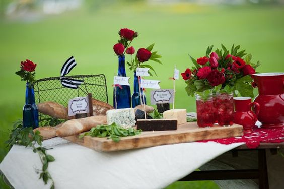 Wunderbare Rot & Blau & Weiß Hochzeit Inspiration  Optimale Karten ...