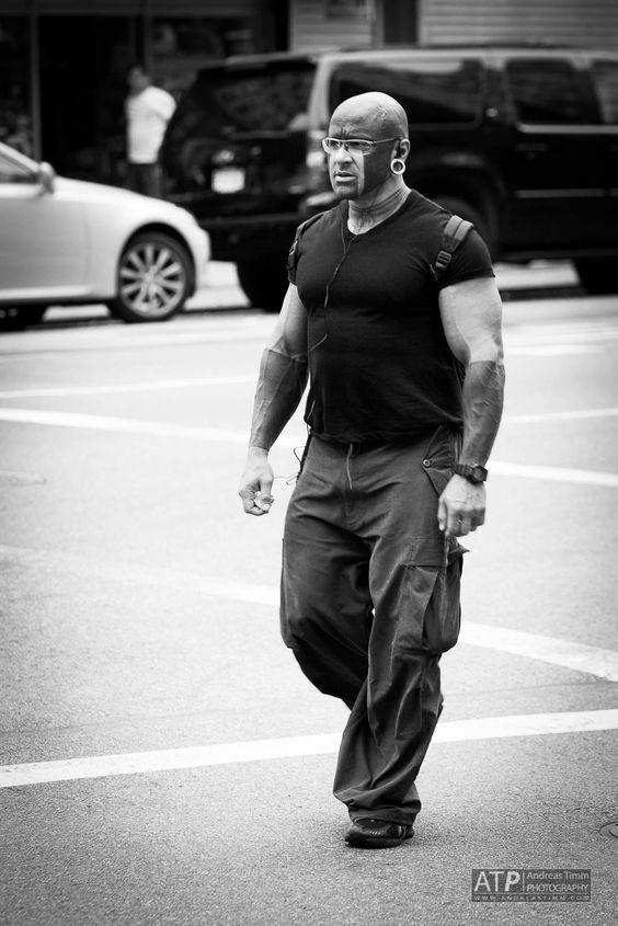 New York City Dude - http://www.andreastimm.com/photo-posts/blackwhite/new-york-city-dude/