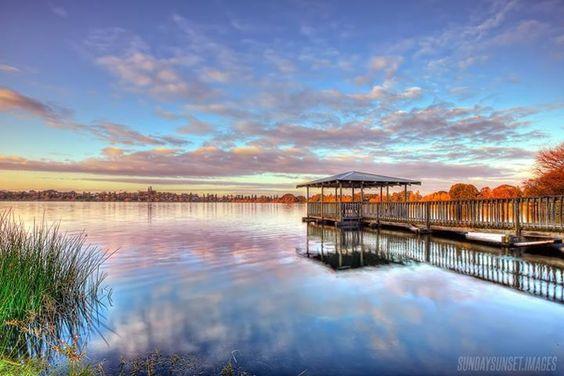Sunrise over Lake Monger, Perth, Western Australia (image via Sundaysunset.images)