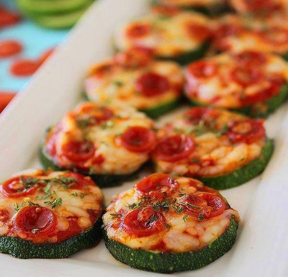 zucchini pizza bites nom nom paleo snack recette. Black Bedroom Furniture Sets. Home Design Ideas